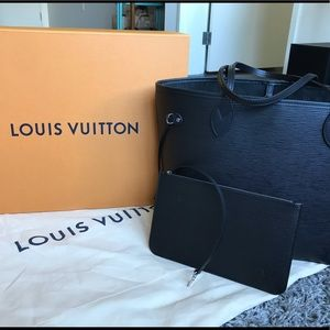 Louis Vuitton Neverfull MM in Black Epi Leather